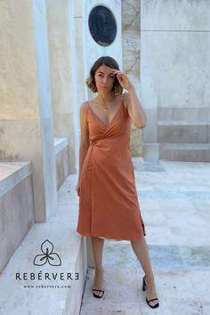 ¡Elige el color que más te apetezca en cada momento! #rebervere #reberverizate #style #slowfashion #fashion #fashionlover #womanfashion #invitadaperfecta #invitadaideal #invitadaconestilo #marcaespaña