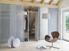 kast met schuifdeuren op zolder kleiderschrank billig begehbarer kleiderschrank mit schiebeturen dachausbau schlafzimmer