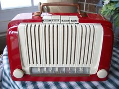Vintage 1947 Silvertone Push Button Tabletop Tube Radio Model 6012 Restored and…