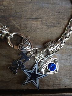 Dallas Cowboys bracelet by Beckyschunkystuff on Etsy