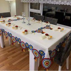 Crochet Pillow, Tapestry Crochet, Crochet Motif, Crochet Doilies, Crochet Kitchen, Crochet Home, Crochet Crafts, Ramadan Crafts, Ramadan Decorations