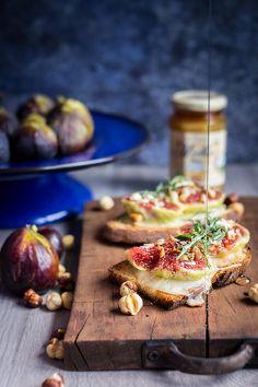 crostino #figs #honey #bruschetta