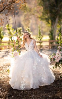 Wedding Dress 1105 by Martina Liana - Search our photo gallery for pictures of wedding dresses by Martina Liana. Find the perfect dress with recent Martina Liana photos. Wedding Dress Styles, Designer Wedding Dresses, Bridal Gowns, Wedding Gowns, Wedding Blog, Lace Wedding, Dream Wedding, Wedding Bouquet, Elegant Wedding