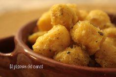 """Gnocchi di patate e zucca con #pecorino ed erbe aromatiche: come ottenere con pochi e semplici ingredienti un primo piatto gustoso e saporito che mette appetito al solo vederlo! per la ricetta clicca qui ---> http://ilnuovopiaceredeisensi.altervista.org/gnocchi-di-patate-e-zucca-con-pecorino/ Se ti piace questa ricetta /if you like this recipe, please ✔ Like ✔ """"Share"""" ✔ Comment ✔ Repost ✔Friend/follow Thank You! <3 #patata #buongiorno #buonappetito #zucca #gnocchi #ilpiaceredeisensi #pumpkin…"""