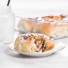 Kanelboller Hamburger, Food Photography, Pie, Bread, Desserts, Torte, Tailgate Desserts, Cake, Deserts
