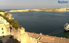Live Cam The Grand Harbour Entrance from British Hotel