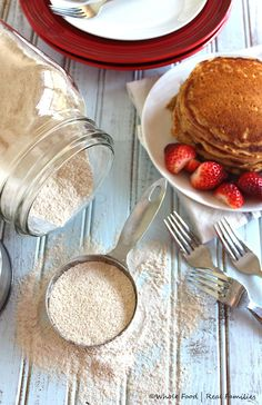 Homemade Whole Wheat Pancake Mix from @wholefoodrealfa Whole Wheat Pancakes, Whole Wheat Flour, Egg Dish, Best Breakfast Recipes, Breakfast Muffins, Recipe Using, Crepes, Whole Food Recipes, Clean Eating