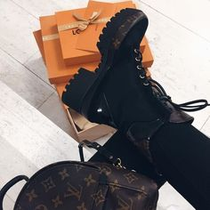 So, I bought these boots. These are worth every penny & go with so many outfits. Heeled Boots, Bootie Boots, Shoe Boots, Dream Shoes, Crazy Shoes, Cute Shoes, Me Too Shoes, Sacs Louis Vuiton, Shoes Sneakers