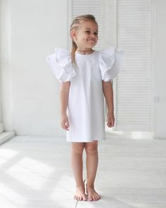 Детская мода 2019 образы, тенденции фото Little Girl Fashion, Toddler Fashion, Kids Fashion, Little Girl Dresses, Girls Dresses, Smocking Baby, Frocks For Babies, Kids Outfits, Baby Outfits