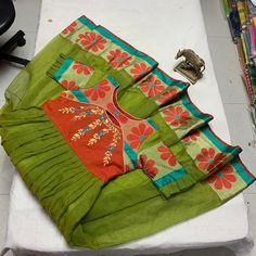 Kurtha Designs, Kids Blouse Designs, Silk Saree Blouse Designs, Kurta Designs Women, Hand Designs, Long Gown Dress, Sari Dress, Party Wear Long Gowns, Recycle Old Clothes
