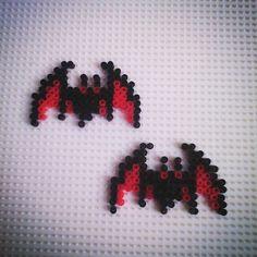 Bats Halloween perler beads by hadavedre