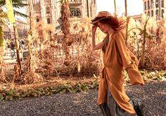 Je suis fidèle au soleil parce que lui m'éclaire avec honnête liberté.   Gala Limón   Photo Ämr Ezzeldinn www.animalwall.eu/film Model Ginger Puninskaya  #madeinmexico #newfashionindustry #newbrand #ecologicalprocess #uniqueproduct #custommade #limitededition #madebyartisans #fairtrade #galalimon