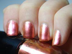 "Artdeco Ceramic Nail Lacquer Nr. 380 ""Iridescent Red"""