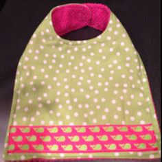 Baby bib made from towel and fabric Adult Bibs, Nursing Homes, Baby Bibs, Christmas Presents, Baby Ideas, Towel, Crafty, Inspired, Sewing