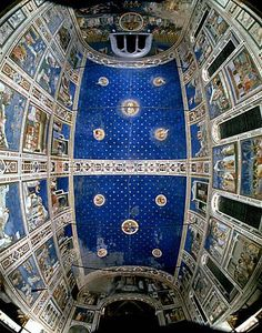 Cappella degli Scrovegni - [Giotto] - La volta. The Scrovegni Chapel, or Cappella degli Scrovegni, also known as the Arena Chapel, is a church in Padua, Veneto, Italy. It contains a fresco cycle by Giotto, completed about 1305, that is one of the most important masterpieces of Western art.