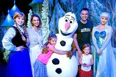 Jessica Alba , Cash Warren Tome Hijas de Frozen Adventure: lindo ...