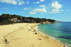 Cala Rovira cerca de Platja dAro http://ift.tt/1M5V0Fm . #costabrava #redcostabrava #viaje #girona #emporda #catalunyaexperience #catalunyafotos  #bestplacestogo #mediterranean  #mediterraneo  #travel #traveling #picoftheday #fotodeldia #КостaБрава ..  info http://ift.tt/1EOM95f