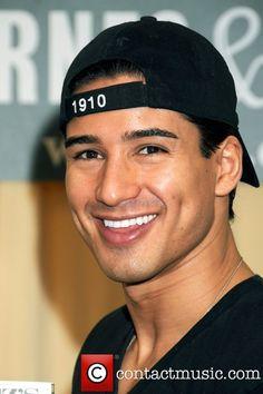 Mario Lopez , that darn smile hey! Beautiful Men Faces, Beautiful Smile, Gorgeous Men, Beautiful People, Mario, Raining Men, Fine Men, Attractive Men, Good Looking Men