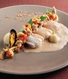 Dutch Recipes, Fish Recipes, Gourmet Recipes, Gourmet Foods, Bistro Food, Molecular Gastronomy, Gastronomy Food, Fish Dishes, Food Presentation