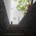 Nhabeo House / Trinhvieta-Architects © Hiroyuki Oki