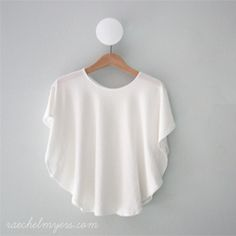 DIY Circle Knit Top. VERY little sewing (in Spanish)