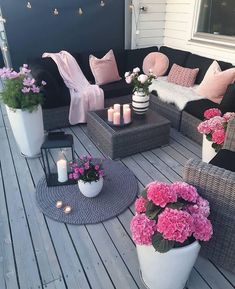 , For those who value plants and want to include them in their home, we've put together these balcony garden design ideas for inspiration. , 30 Small Cozy Balcony Garden Ideas You Should Look Patio Garden Ideas On A Budget, Diy Patio, Backyard Patio, Patio Stone, Flagstone Patio, Budget Patio, Concrete Patio, Patio Table, Backyard Ideas