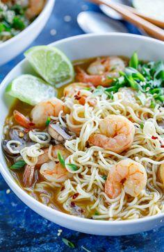 Sopa Ramen, Ramen Noodle Soup, Ramen Noodle Recipes, Ramen Noodles, Noodle Salad, Shrimp Soup, Spicy Shrimp, Ramen Shrimp, Seafood Ramen
