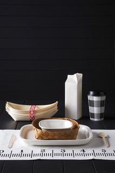 Susanna Vento: a dark picnic. Monochrome Interior, Moroccan Art, Scandinavian Kitchen, Kitchen Art, Packaging Design Inspiration, Interior Styling, Home Crafts, Table Settings, Homemade