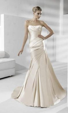 White One / W1 Tigris 411 2: buy this dress for a fraction of the salon price on PreOwnedWeddingDresses.com