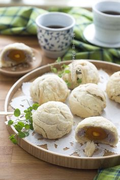 Chaozhou Mooncake Layered Pastry with Taro Stuffing | beanpanda 潮州芋泥月餅