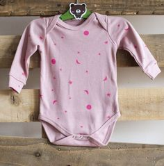 Sleepy Doe Bodysuit with Tiny Pink Neon Moons Organic Baby Clothes, Unisex Baby Clothes, Cute Baby Clothes, Baby Girl Fashion, Kids Fashion, Baby Boy Outfits, Cute Outfits, British Designers, Gender Neutral Baby Clothes