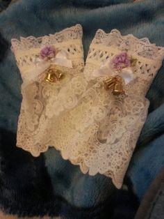 Lolita cuffs