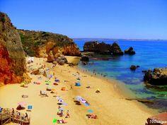 Dona Ana é uma praia de referência, em Lagos, Algarve, Portugal. Fica na zona conhecida por Costa D' Oiro, nome derivado da cor amarela/oiro das rochas que envolvem esta praia que é maior de entre as várias praias de beleza única...