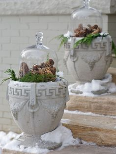 outdoor pinecone winter decor. This is the cutest thing ever!