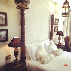 Esta foto me la ha enviado Inma, su anterior inquilina, junto a la foto me decía en su email que por primera vez se queda con ganas de volver a un hotel y repetir la experiencia. Desde aquí te queremos dar las gracias Inma ❤️ #riadpalaciodelasespecias #suitebabagnaou #Marrakech #hotelbonito #hotelboutique #experiencia #escapadaromantica #vacaciones #relax #amor #love #detalles #bonito #findesemana #happysaturday