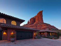 Southwest-Style Home in Red Rock Country
