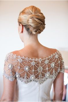 Rustic Glam Wedding Dress Style / Melissa Musgrove Photography / Santa Barbara Wedding / via StyleUnveiled.com