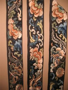 AMAZING ANTIQUE CHINESE EMBROIDERY ROBE COLLAR SLEEVE BANDS BORDER FLOWERS BATS! | eBay