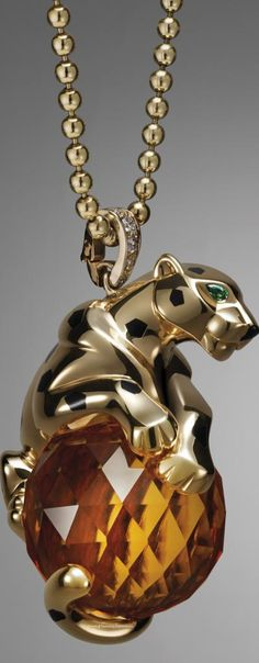 Panthère de Cartier Cat Jewelry, Animal Jewelry, Fine Jewelry, Jewelry Design, Jewelry Ideas, Cartier Panthere, Rolex, Tigers Eye Necklace, Cartier Jewelry