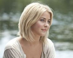 short hair styles julianne hough safe haven hair. I just love how her hair looks short. And it looks like her hair texture/thickness is like. Womens Bob Hairstyles, Pretty Hairstyles, Blonde Hairstyles, Hairstyle Short, Short Haircut, Cut My Hair, Her Hair, Hair Cuts, Hair Bangs