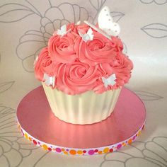 I really like giant cupcakes. I love cupcakes in general so making it 24 times bigger is a plus in my opinion. But I get a lot of people...