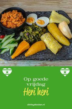 Op goede vrijdag wordt altijd een traditioneel vis gerecht gekookt. Heri Heri is met aardvruchten, banaan en Bakkeljauw. Buiten goede vrijdag is dit ook te bestellen als Surinaamse catering bij Shirley's keuken in Den-Haag en Zoetermeer omgeving. #HeriHeri #shirleyskeuken #Surinaamsecatering Shirleyskeuken.nl Soul Food Restaurant, Restaurant Recipes, No Bake Cake, Street Food, Lunch, Snacks, Baking, The Hague, Seeds
