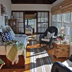 sunroom Traditional Porch, Sunroom Furniture, Sleeping Porch, Sweet Home, House With Porch, House 2, Interior Exterior, Porch Interior, Porch Decorating