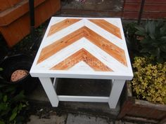 Conservetry / side pallet table | 1001 Pallets