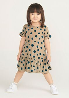 Girls Dresses Sewing, Sewing Kids Clothes, Dresses Kids Girl, Baby Dress Design, Baby Girl Dress Patterns, Cute Little Girls Outfits, Kids Outfits, Girls Fashion Clothes, Baby Sewing