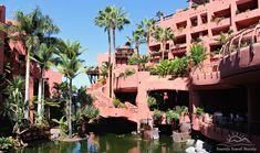 Melvin Villaroel. La arquitectura del vacío. Hotel Ritz-Carlton Abama tiene un lago interior simplemente espectacular