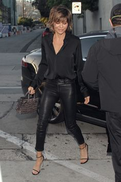 Lisa Rinna seen at Craig's in West Hollywood, CA - 02 July 2017 Source by stephankalbe pants outfit Outfits Leggins, Black Leggings Outfit, Black Leather Leggings, Trouser Outfits, Faux Leather Leggings, Mode Outfits, Night Outfits, Fall Outfits, Outfit Night