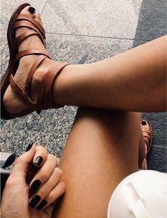 sandales plates femme, sandales en cuir marron pour les femmes modernes