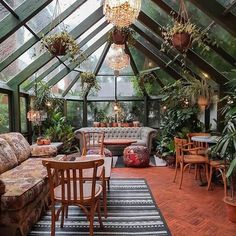 Jungalows, Indoor Gardens, + Living Room Rainforests We'd Copy Right Now — firefly + finch Living Room Plants Decor, House Plants Decor, Plant Decor, Jungle Living Room Decor, Living Rooms, Jungle House, Jungle Room, Inside Garden, House Inside