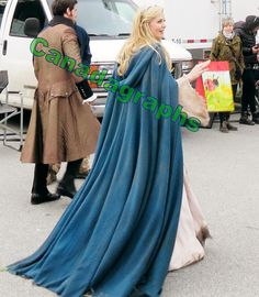 filming 3x22  (http://canadagraphs.weebly.com/8/post/2014/04/once-upon-a-time-films-some-season-3-finale-scenes-with-several-cast-contains-wardrobe-spoilers.html)